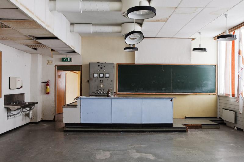 saner_l_classroom _science