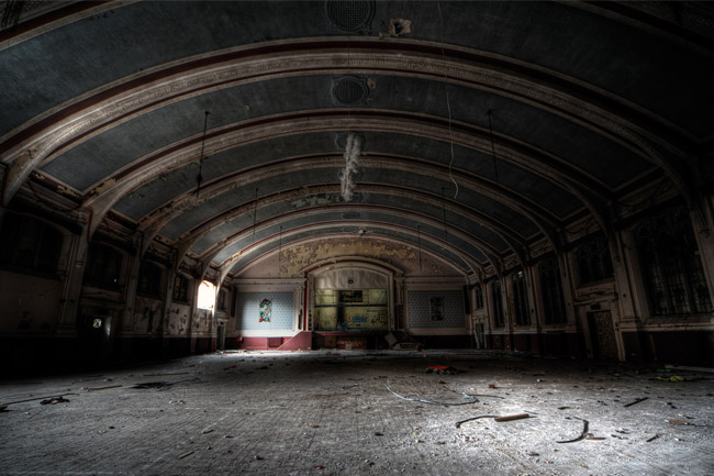 Asylum W (UK)
