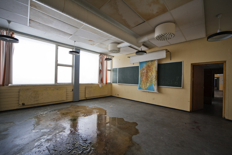 saner_l_classroom _water