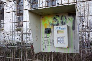 Prison H15 - Phone
