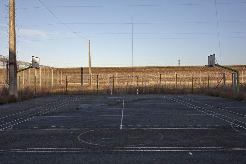 Prison H15 - Exterior basket 2