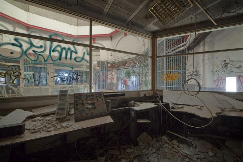 Prison H15 - Control room